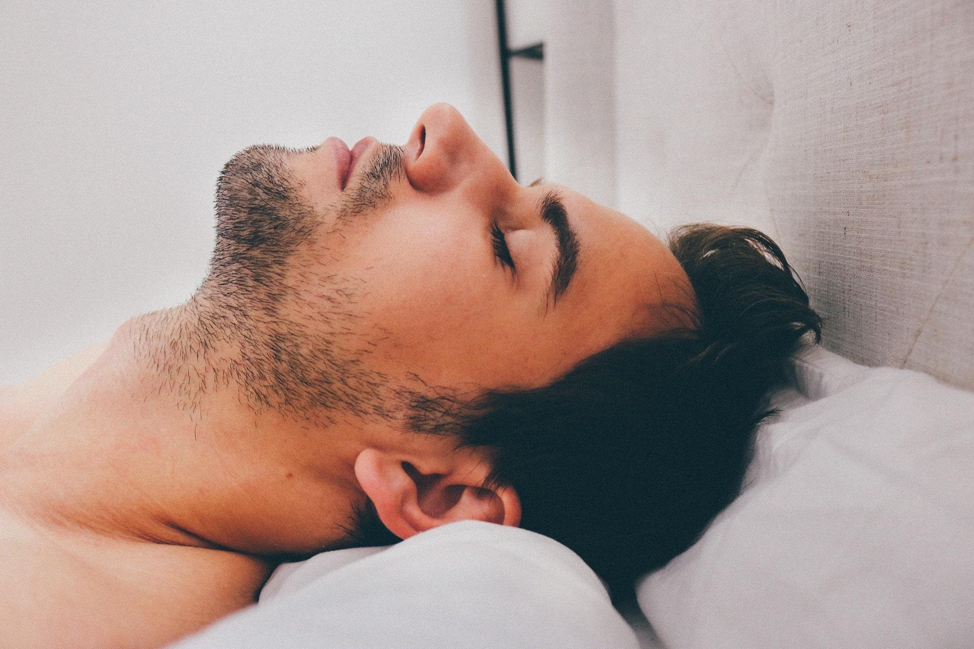 dormir avec une tendinite à l'épaule